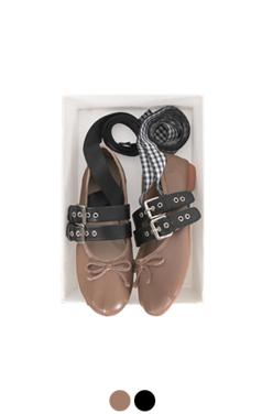 [GOOD PRICE] <br>时髦的系带平底鞋