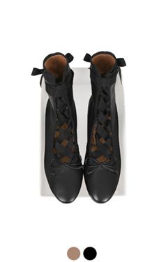 "芭蕾舞演员踝靴<br> <font color=#82C7E4 size=""1.9"" face=verdana>添加颜色</font>"
