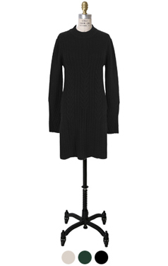 侧缝长款毛衣