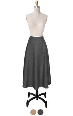 羊毛混纺喇叭裙