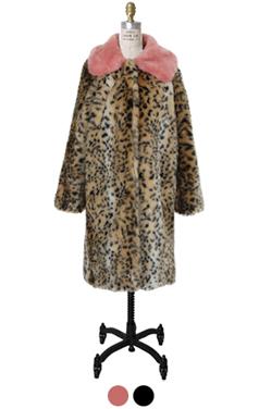 彩色衣领仿豹纹大衣