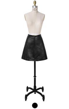 皮革上线迷你裙