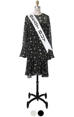 细小的花朵雪纺连衣裙