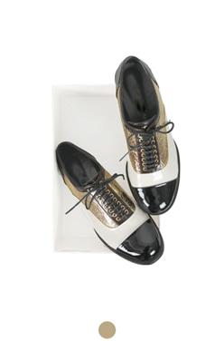 金箔的牛津鞋