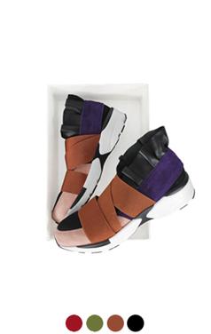 "荷叶边带状运动鞋<br> <font color=#82C7E4 size=""1.9"" face=verdana>添加颜色</font>"