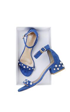 """珍珠点缀凉鞋<br> <font color=#ff9999 size=""""1.9"""" face=verdana>BEST BUY</font>"""