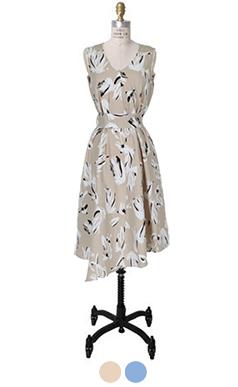 非常优雅的印花连衣裙