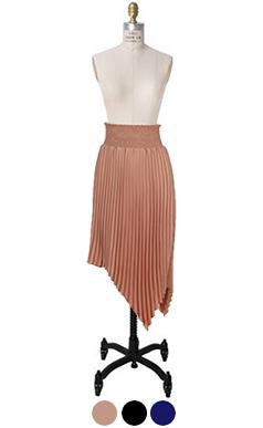 烟腰褶的裙子
