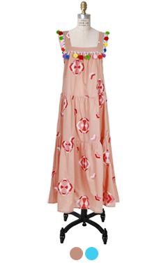 绒球装饰分层礼服
