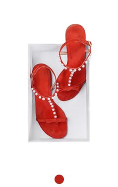 珍珠点缀平底凉鞋