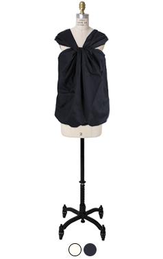 扭曲吊带衫
